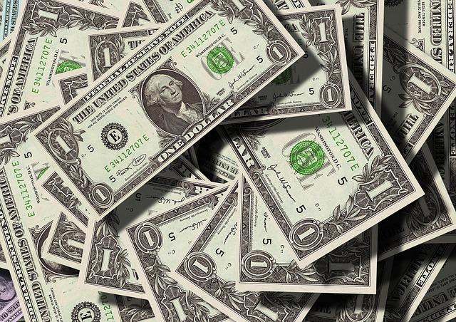 Jak správně spořit peníze
