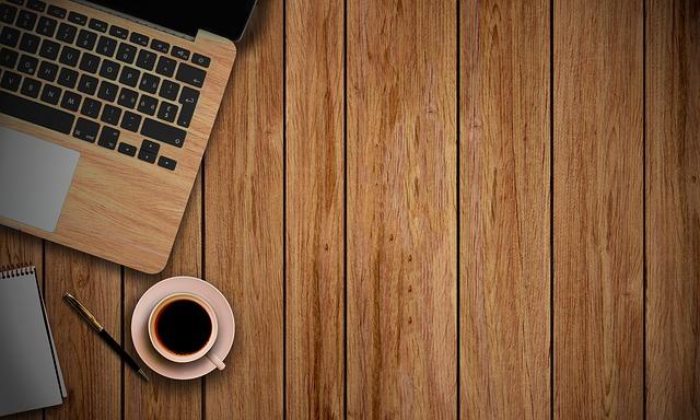 macbook a káva