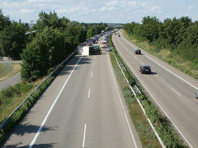 dálnice, na které je dopravní nehoda