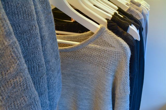 oblečení stojan